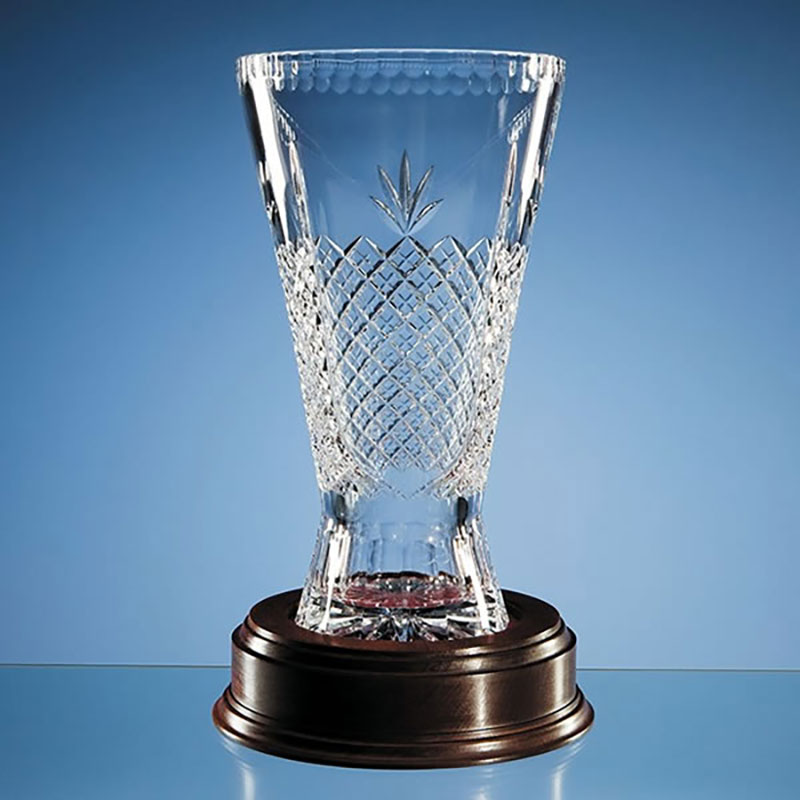 30cm Panelled Crystal Trophy Vase L198
